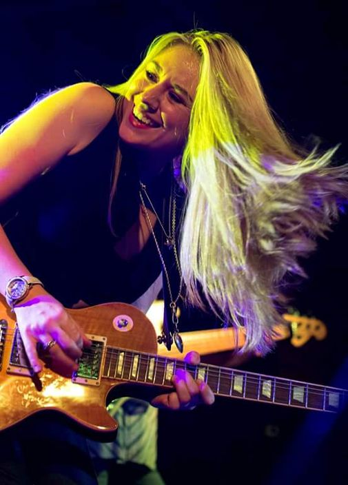 Joanne Shaw Taylor where she feels at home: On stage, wowing another audience